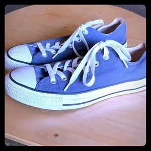Size 9 Blue Converse AllStar low tops.